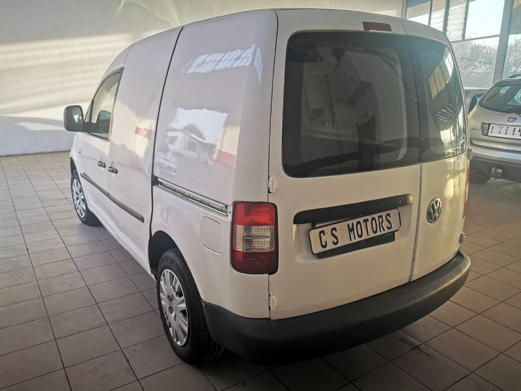 used-volkswagen-caddy-2934855-4.jpg