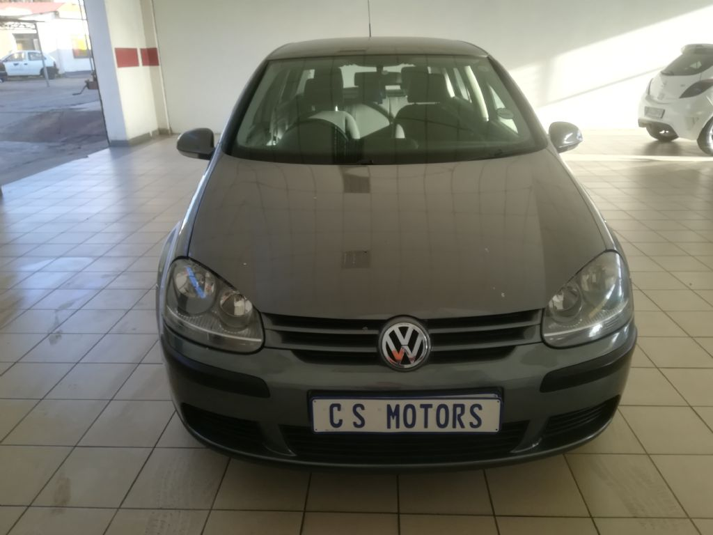 used-volkswagen-golf-v-2929894-1.jpg