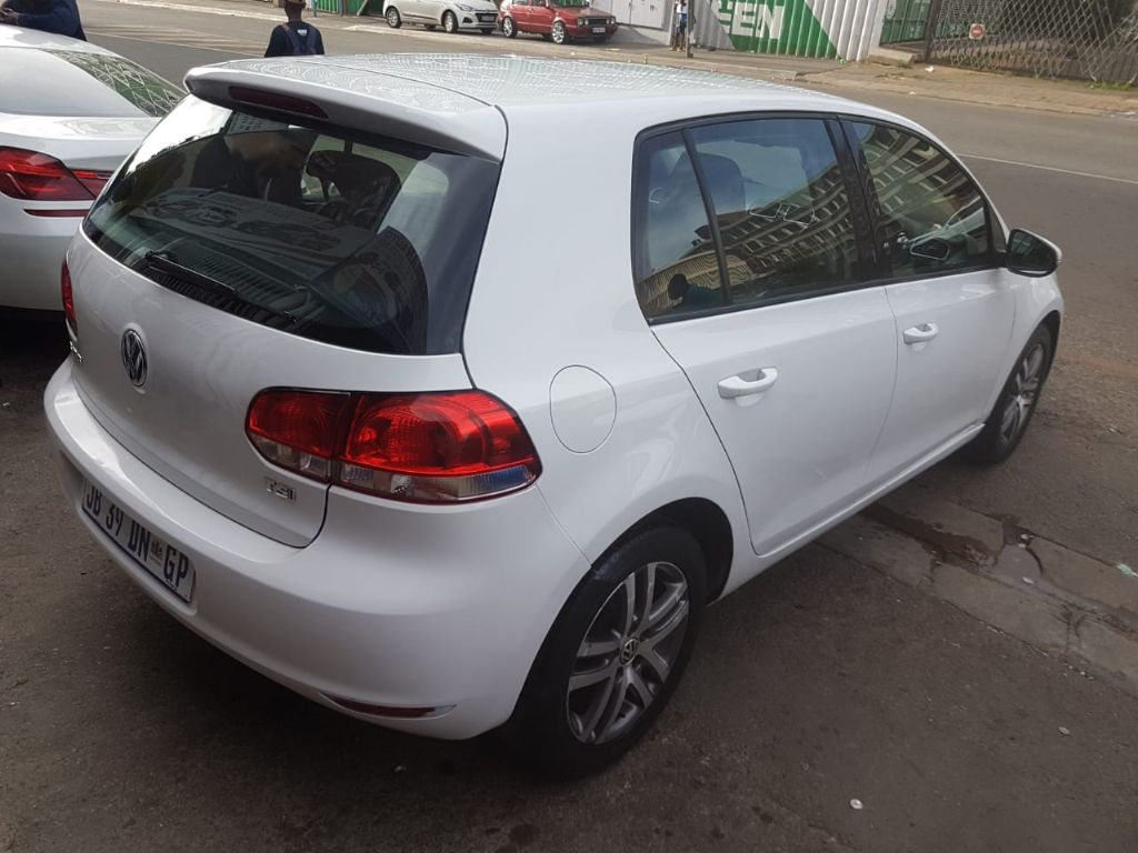 used-volkswagen-golf-vi-2900875-2.jpg