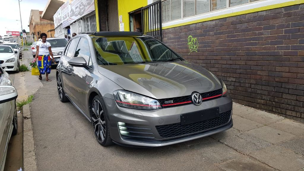 used-volkswagen-golf-vii-2766499-1.jpg