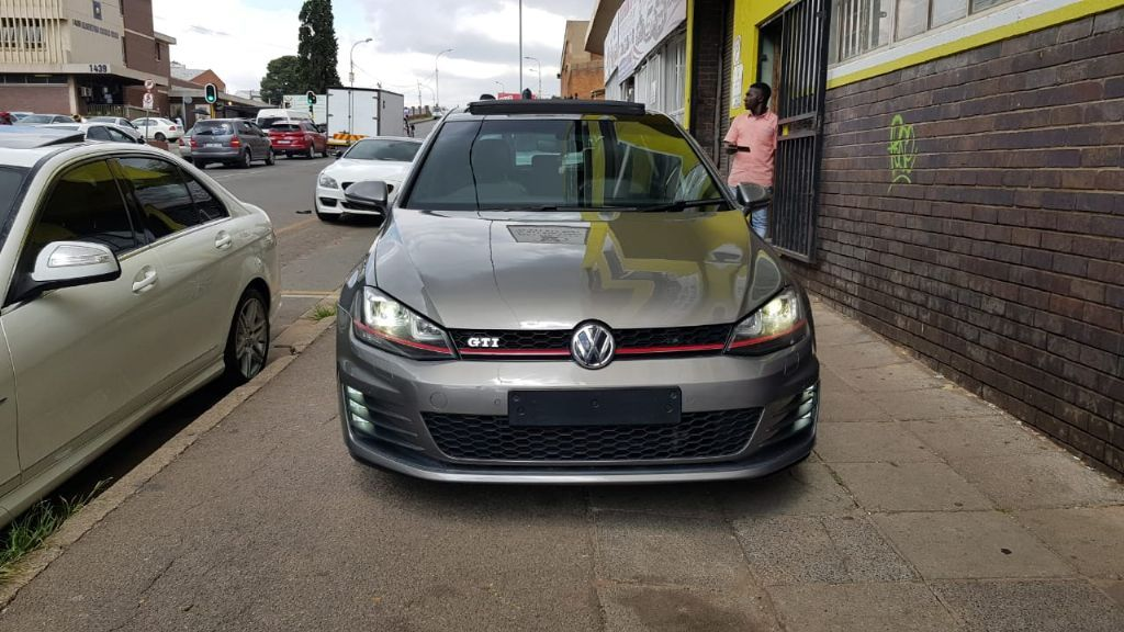 used-volkswagen-golf-vii-2766499-5.jpg