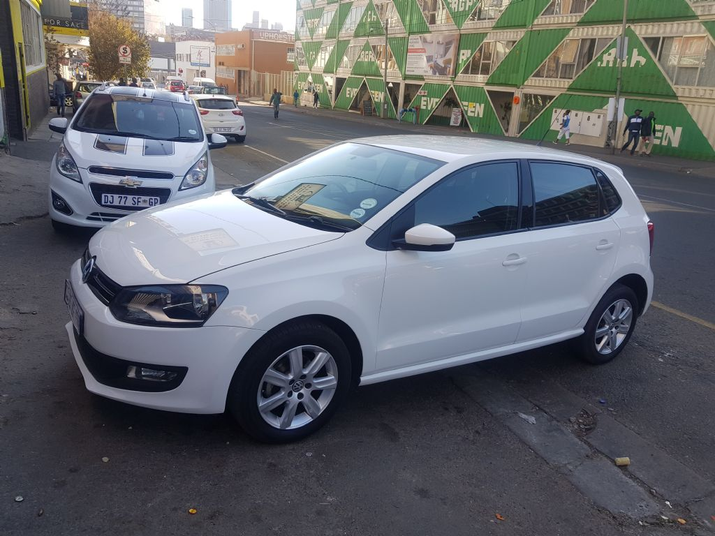 used-volkswagen-polo-2258561-2.jpg