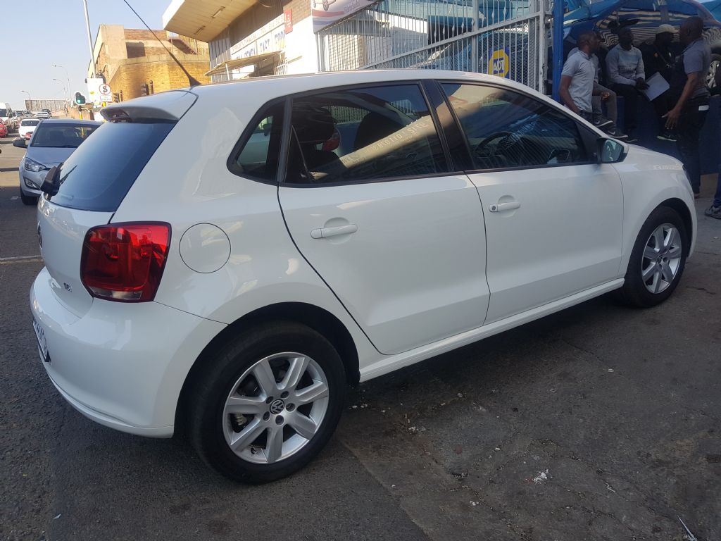 used-volkswagen-polo-2258561-4.jpg