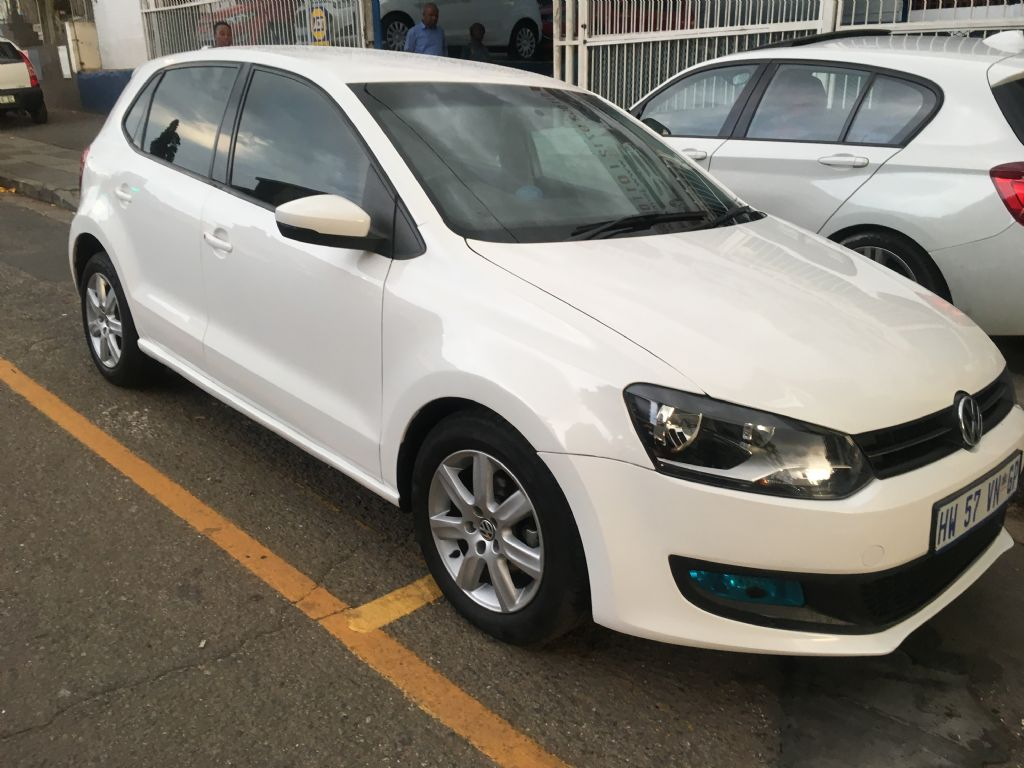 used-volkswagen-polo-2415511-2.jpg