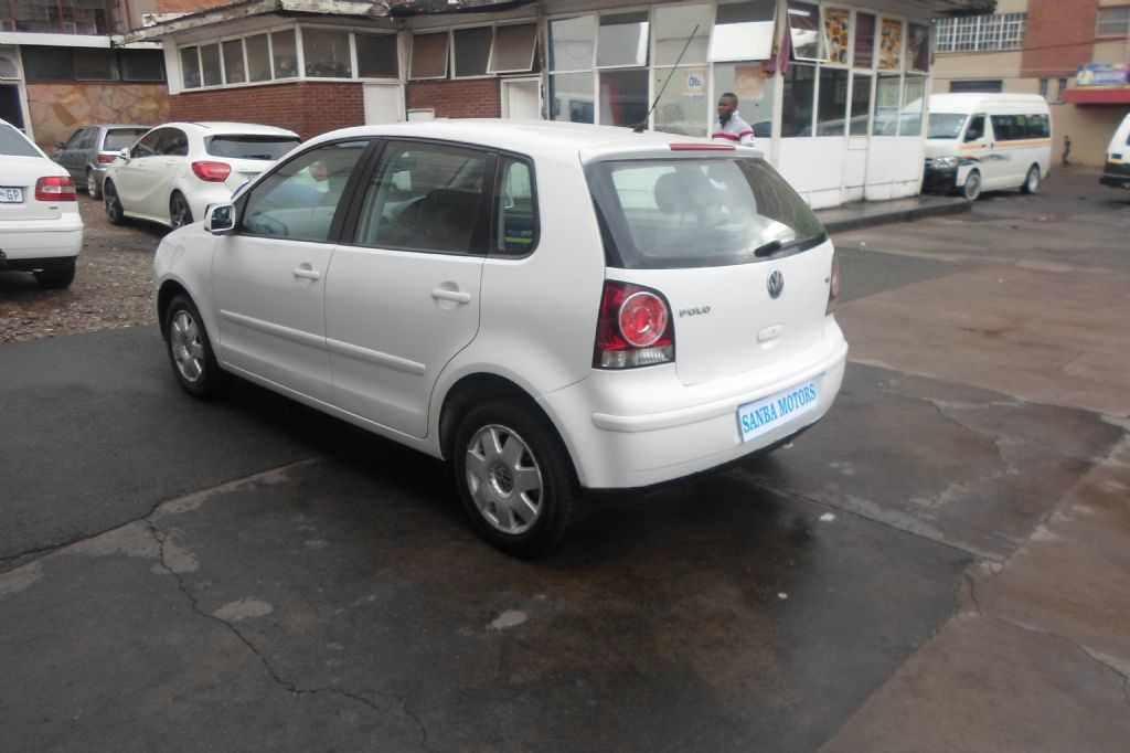 used-volkswagen-polo-2522372-6.jpg