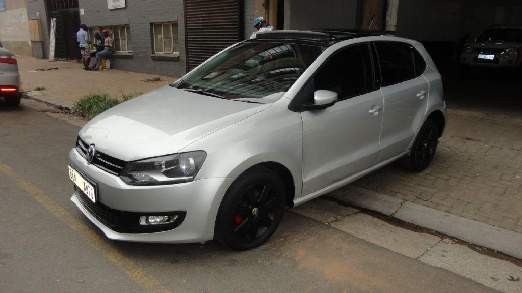 used-volkswagen-polo-2556521-2.jpg