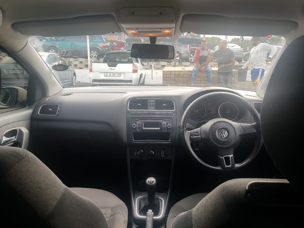 used-volkswagen-polo-2639200-2.jpg
