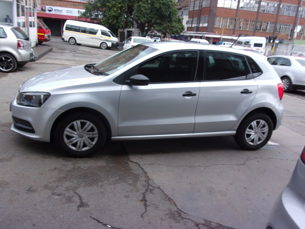 used-volkswagen-polo-2761592-2.jpg