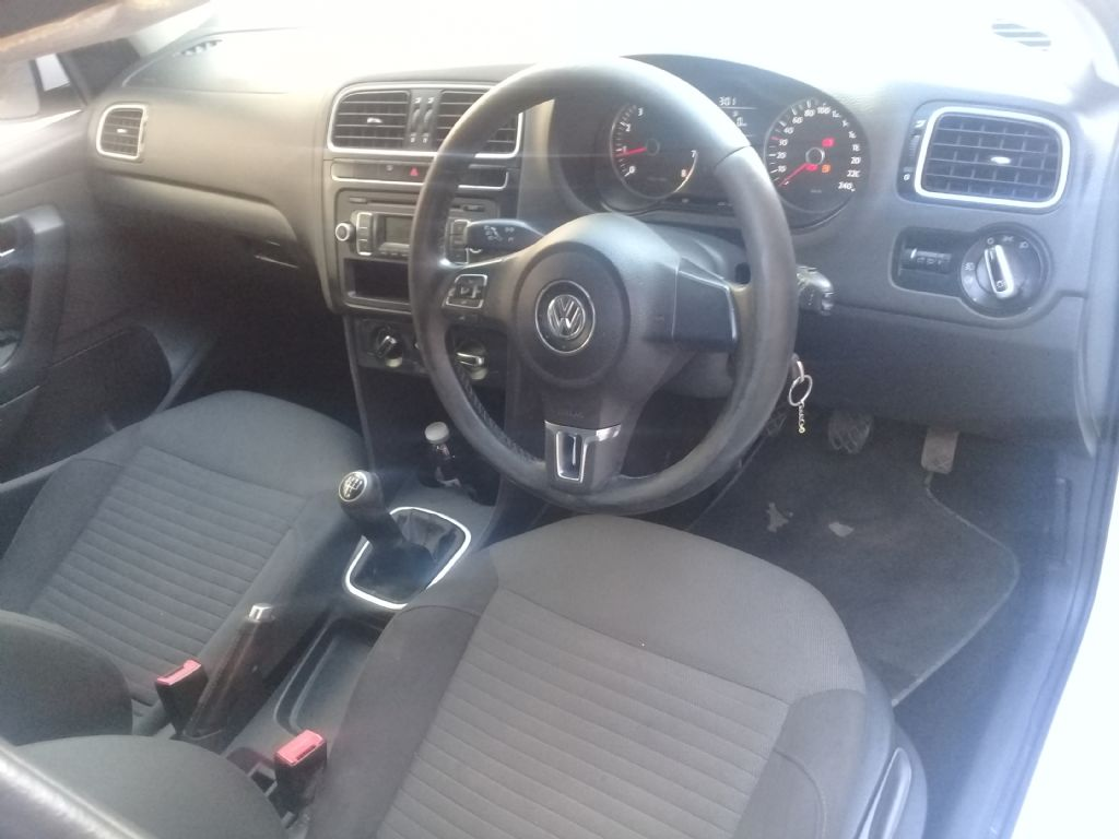 used-volkswagen-polo-2843599-7.jpg