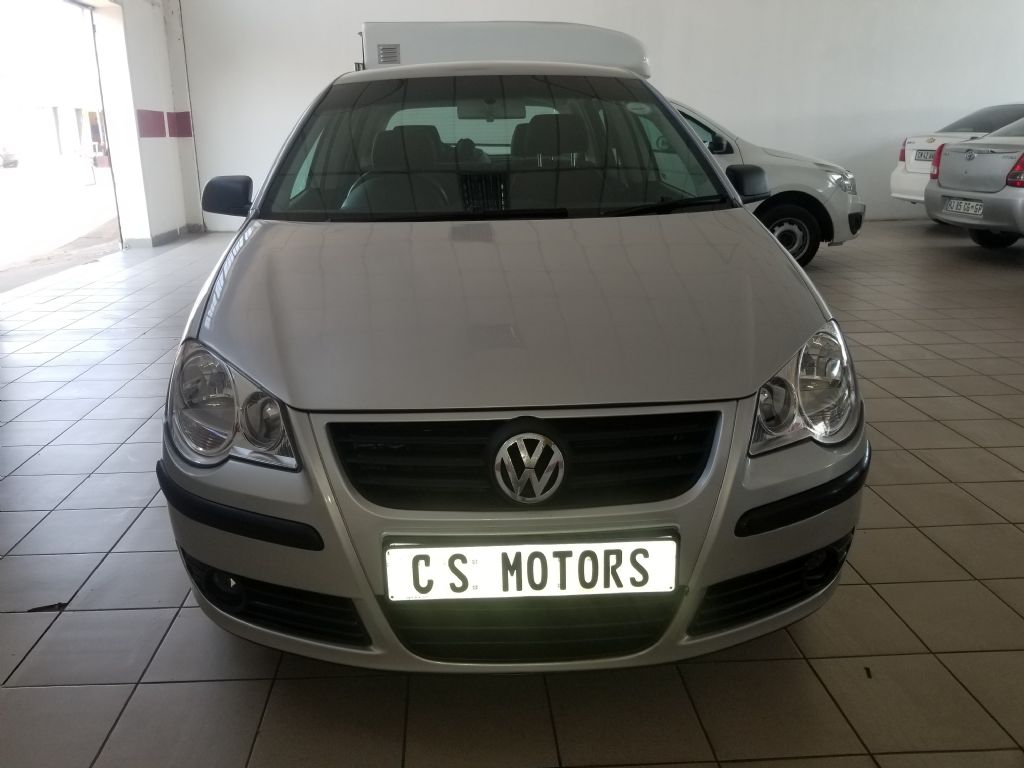 used-volkswagen-polo-2929831-2.jpg