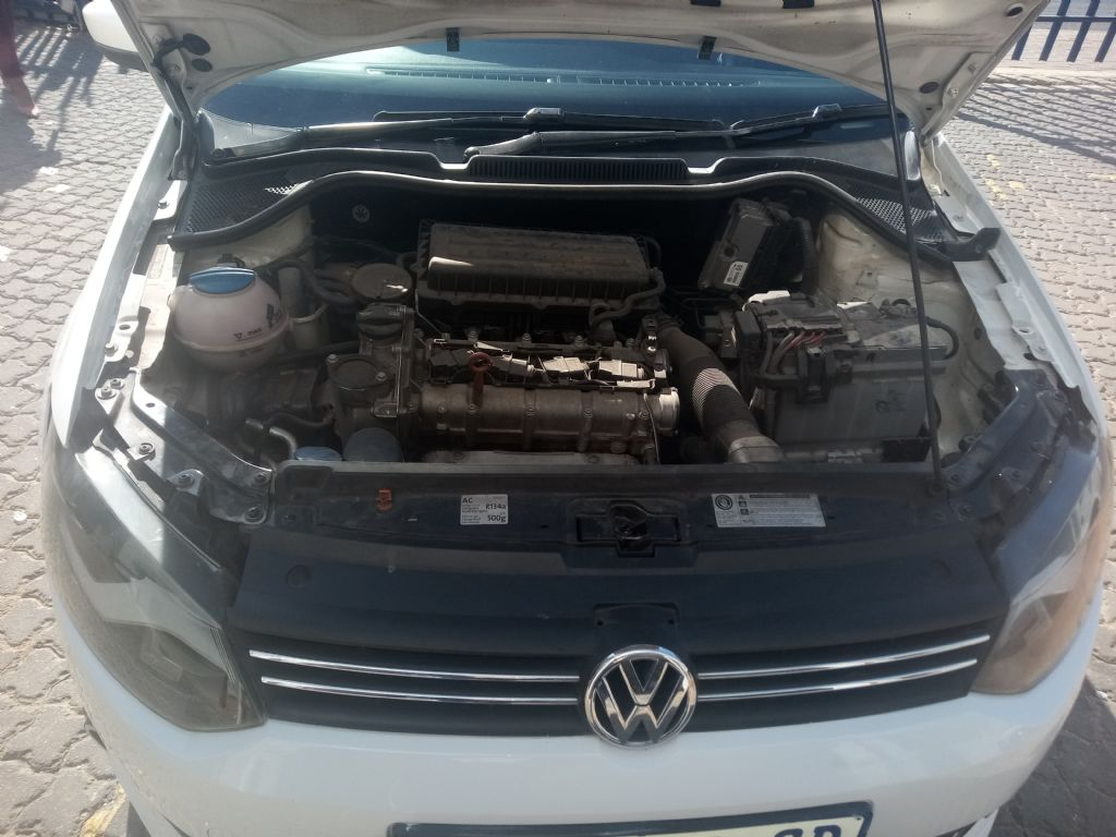 used-volkswagen-polo-2946120-10.jpg