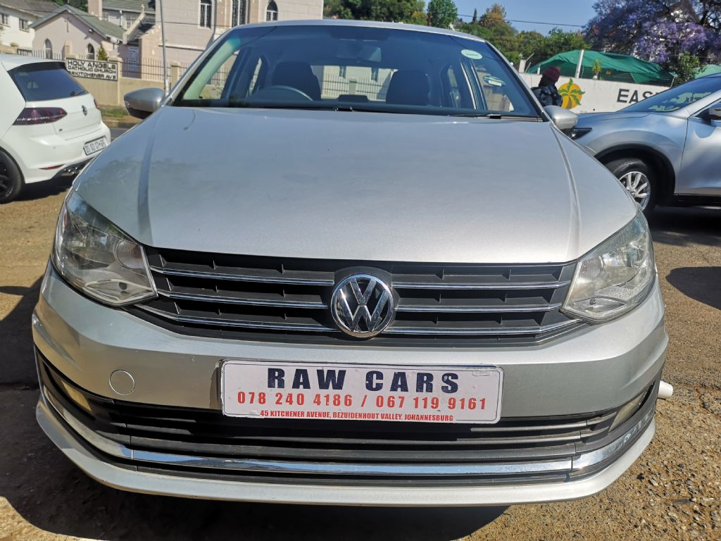 used-volkswagen-polo-3103859-1.jpg