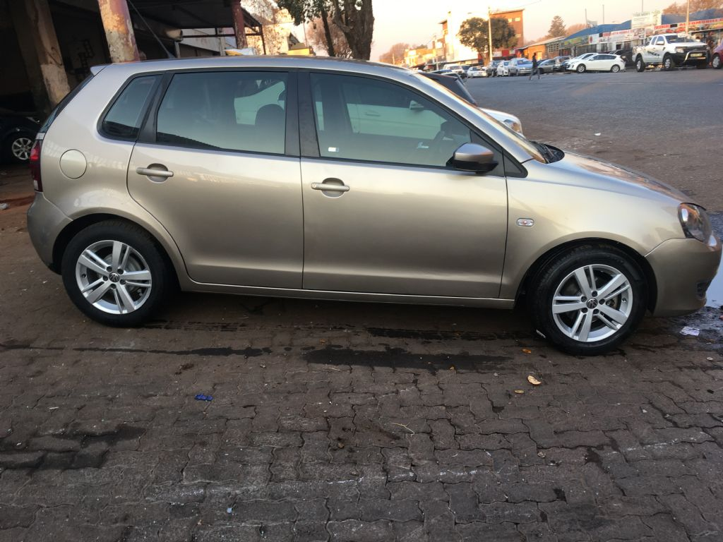 used-volkswagen-polo-vivo-2539821-6.jpg