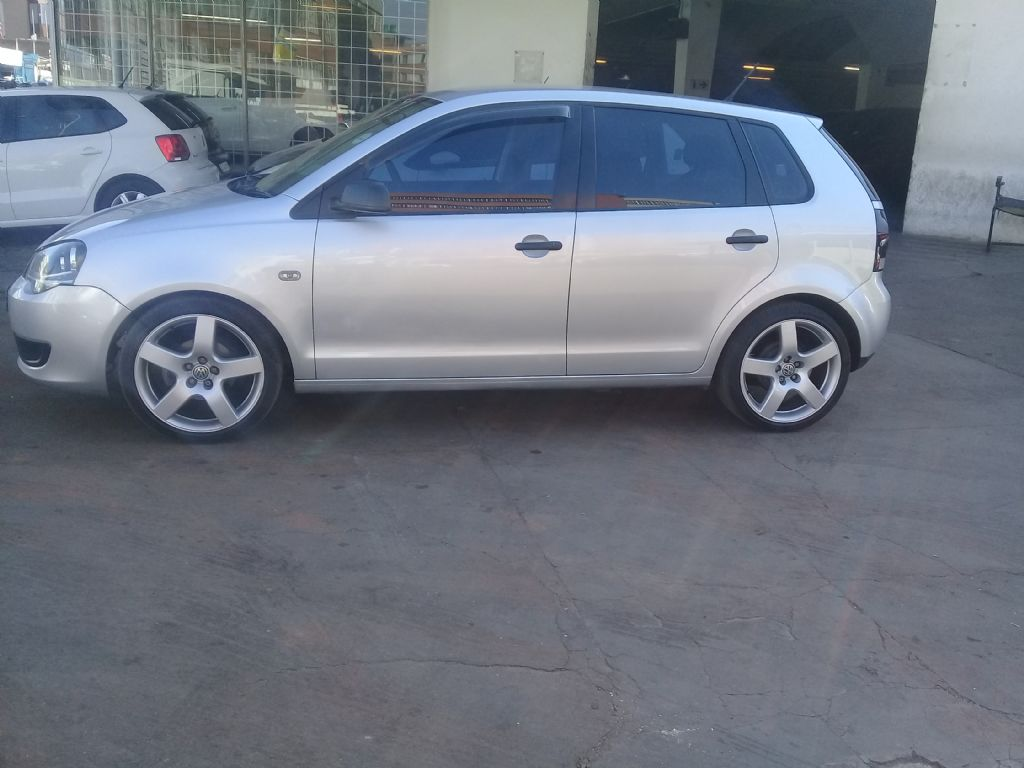 used-volkswagen-polo-vivo-2542544-2.jpg