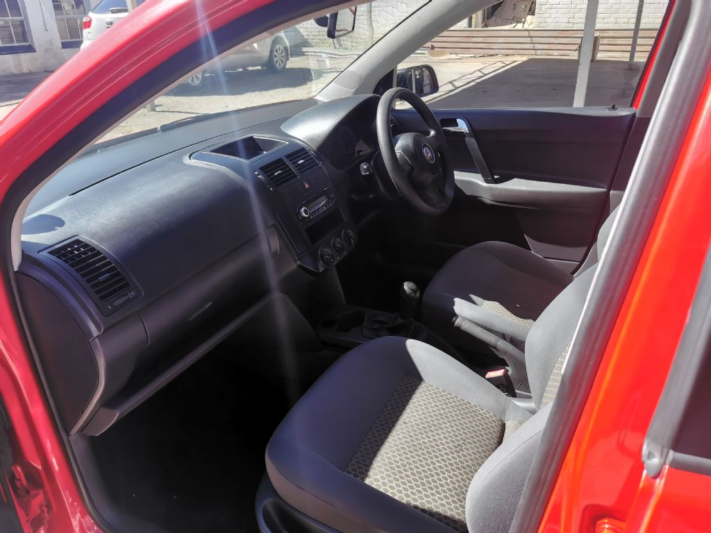 used-volkswagen-polo-vivo-2926865-10.jpg