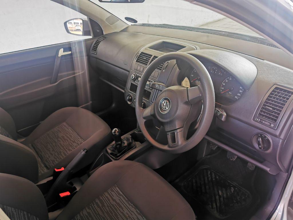 used-volkswagen-polo-vivo-3087418-8.jpg