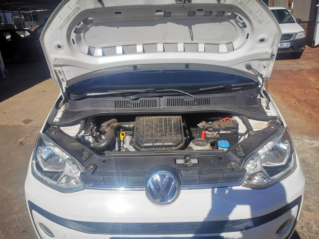used-volkswagen-up!-2958651-10.jpg