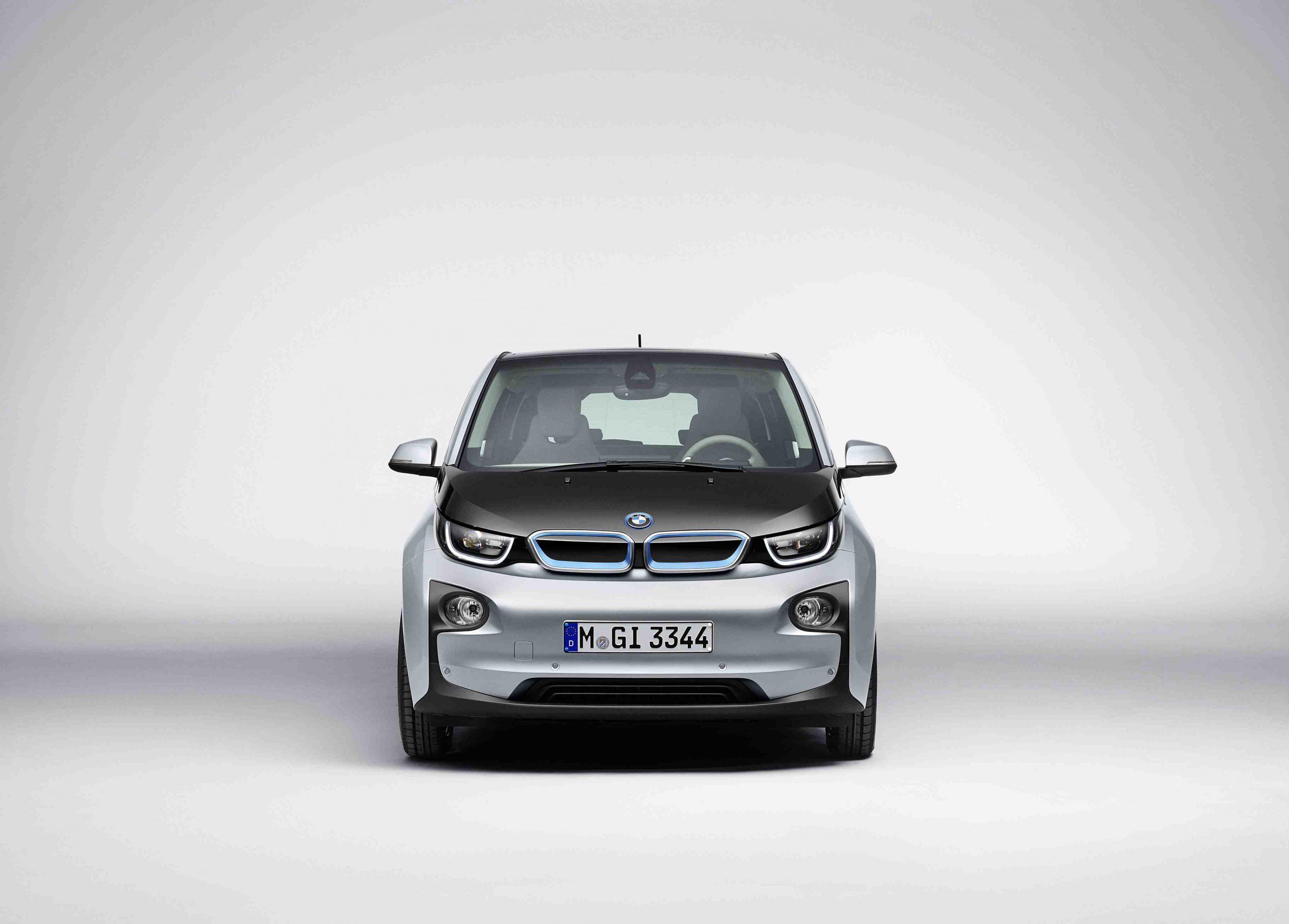 Electric BMW i3 Detailed – Big On Carbon Fibre, Low Carbon Footprint