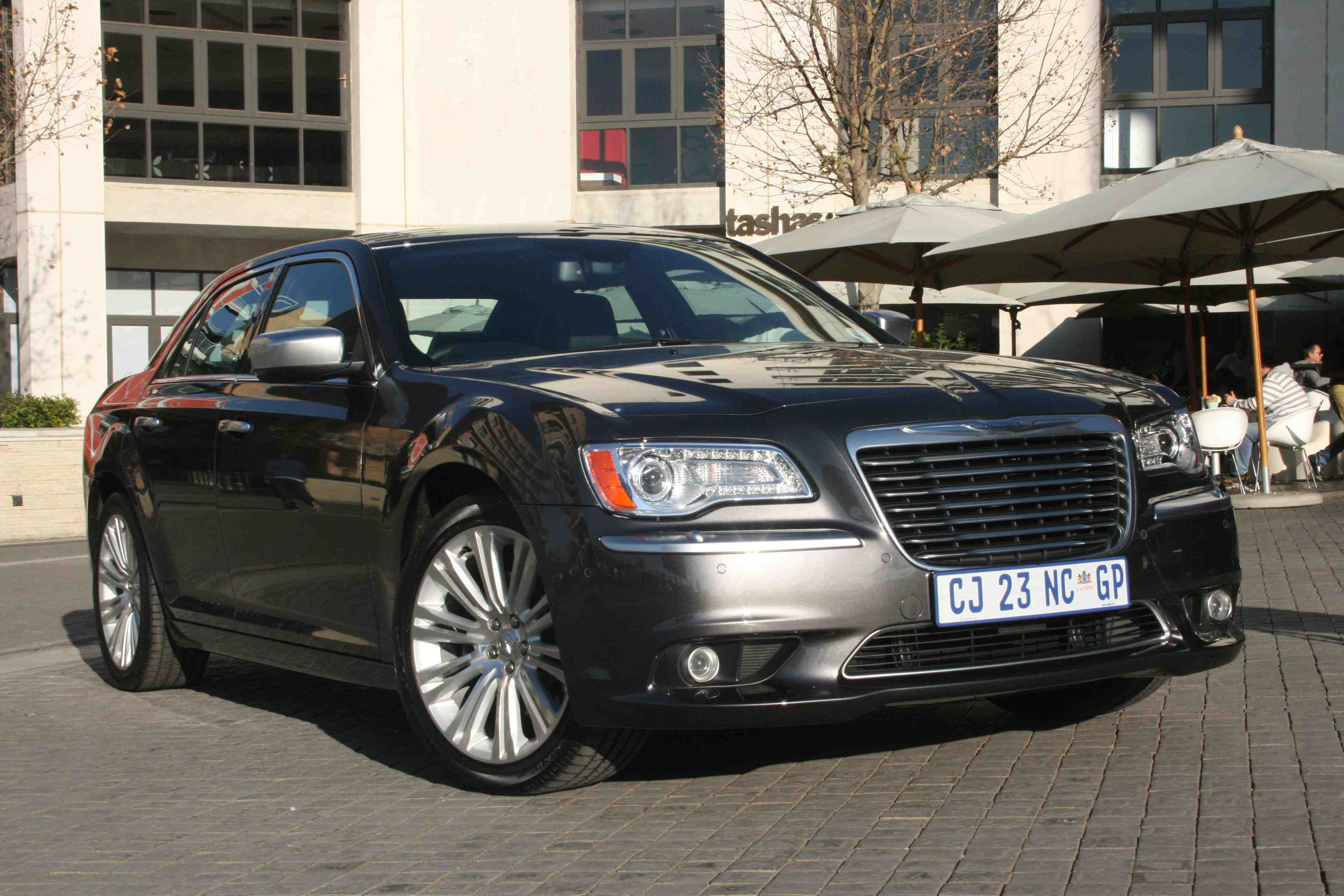 Review: 2013 Chrysler 300C CRD