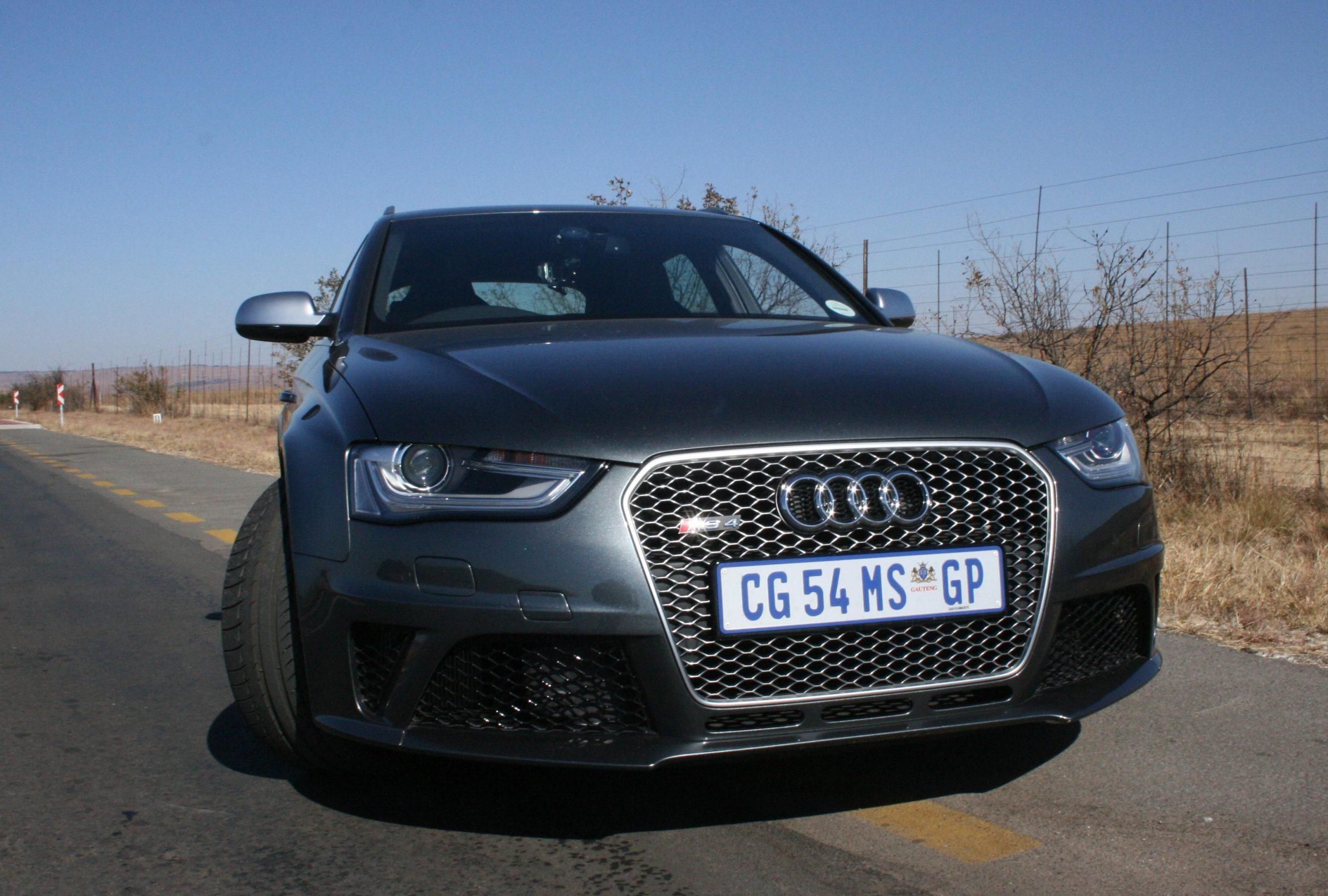 2013 Audi RS4 Avant Video Review