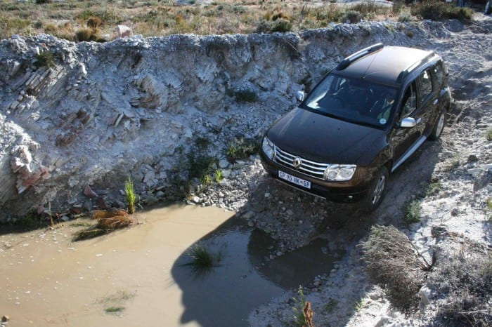 Renault Duster Aerial View - Surf4cars