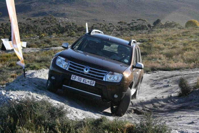 Renault Duster Front - Surf4cars