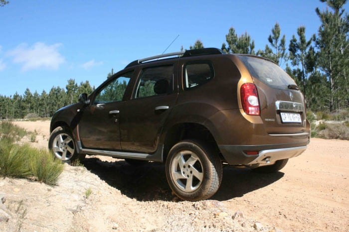 Renault Duster Rear - Surf4cars