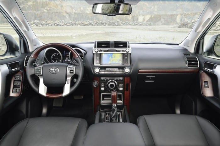 Toyota Land Cruiser (2014) - Interior