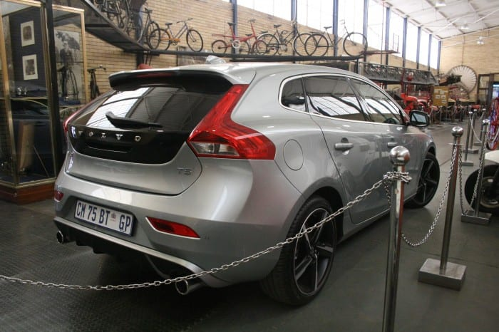 Volvo V40 T5 R-Design Rear Right - Surf4cars