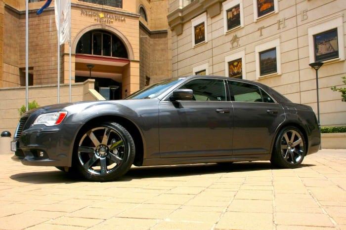 Chrysler 300C SRT8 Side - Surf4cars