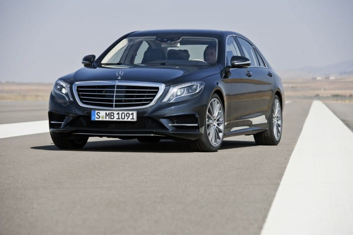 Mercedes-Benz S-Class Front Right - Surf4cars