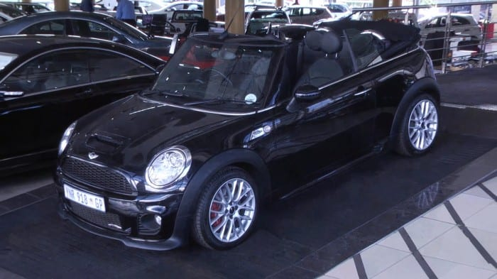 Mini Convertible JCW Side (2009) - Surf4cars