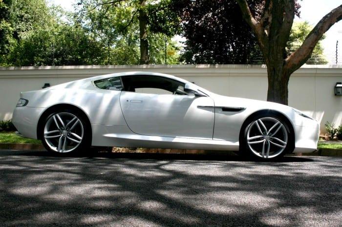 Aston Martin Virage Side - Surf4cars