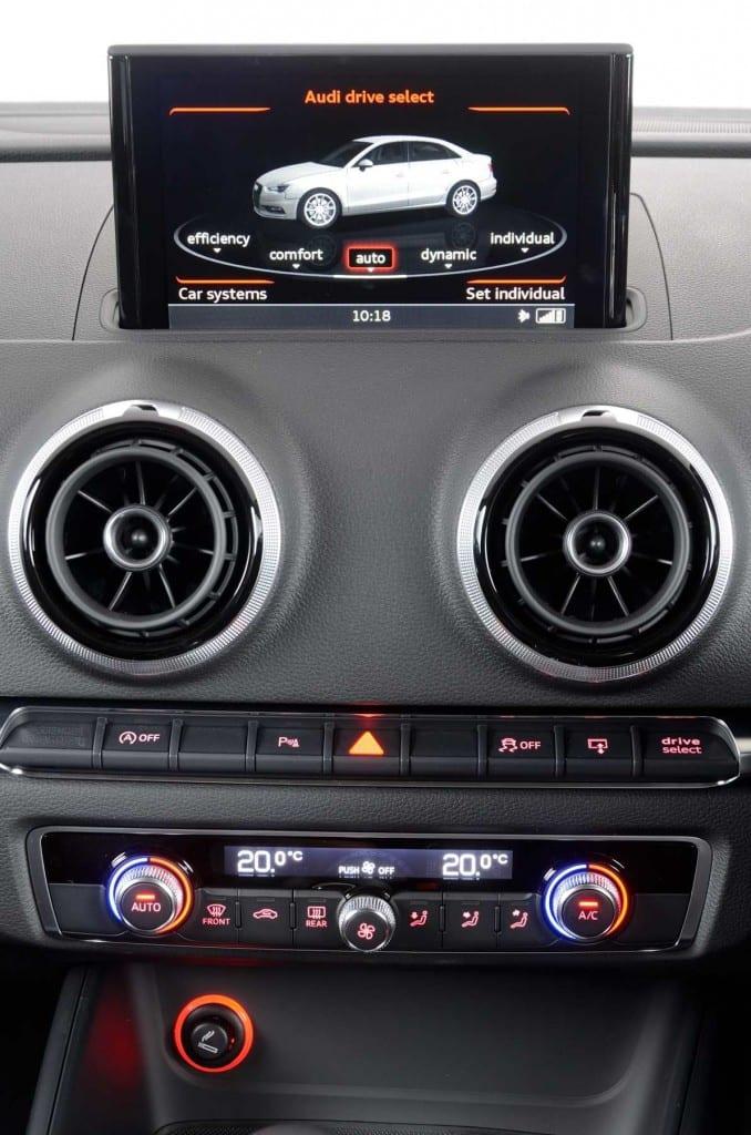 Audi A3 Sedan MMI - Surf4cars
