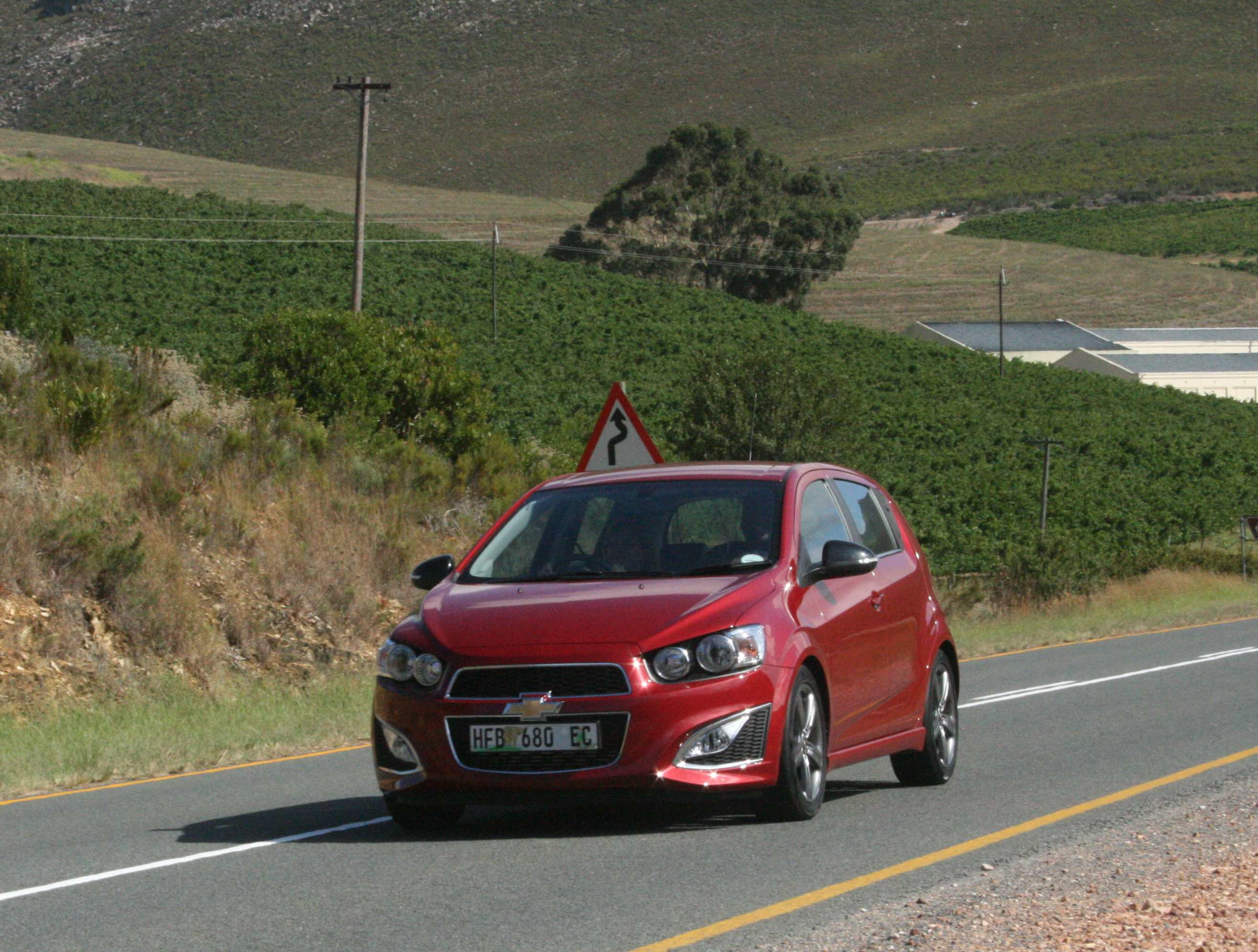 Chevrolet Sonic RS (2014): Launch Drive