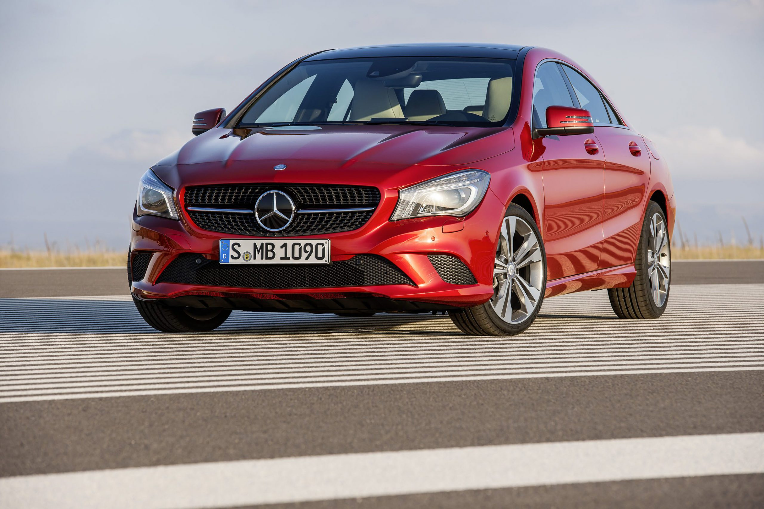 Mercedes benz cla 180 2014 new car review surf4cars for Mercedes benz cars