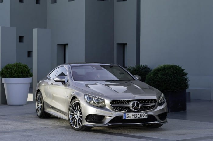 Mercedes-Benz S-Class Front Side - Surf4cars