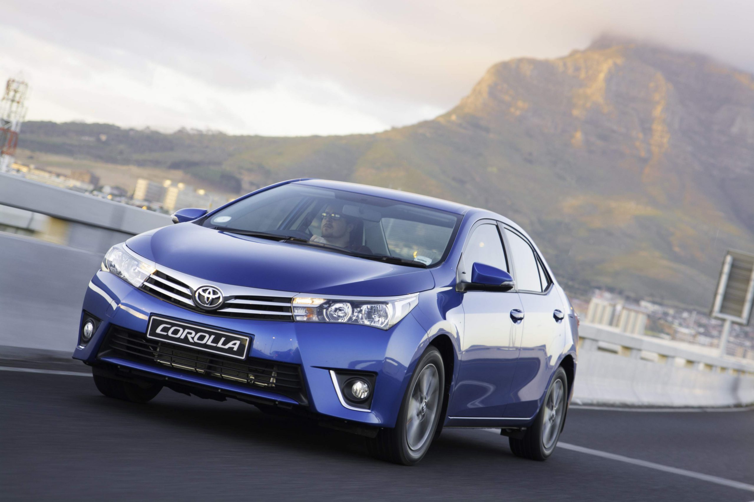 Toyota Corolla (2014): Launch Drive