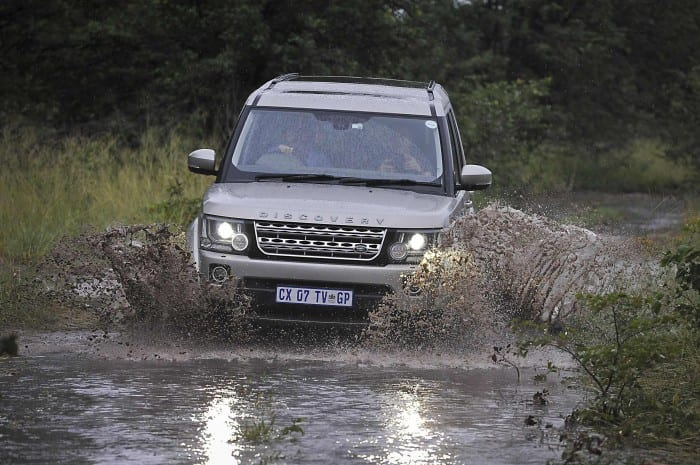 Land Rover Discovery Front - Surf4cars