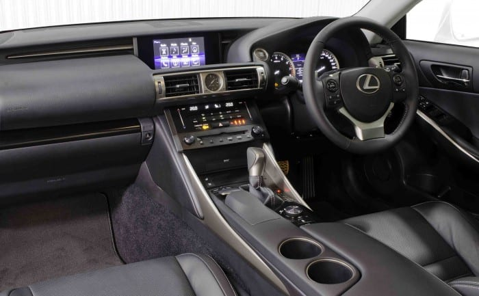 Lexus IS interior - Surf4cars