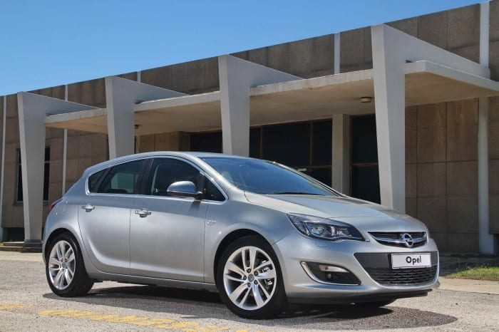 Opel Astra 1.4 T Essentia Side - Surf4cars