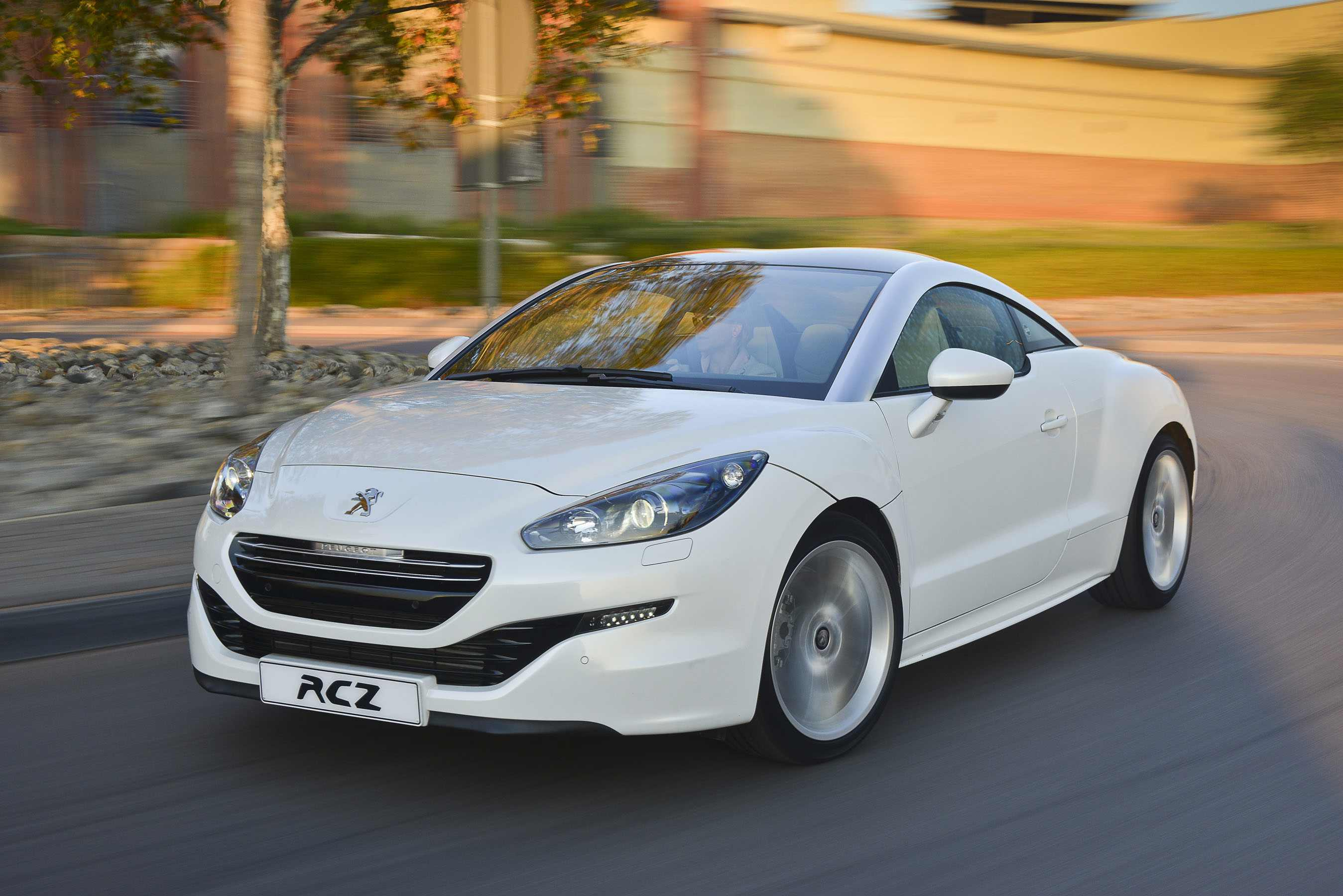 Peugeot RCZ 1.6 THP (2014): New Car Review