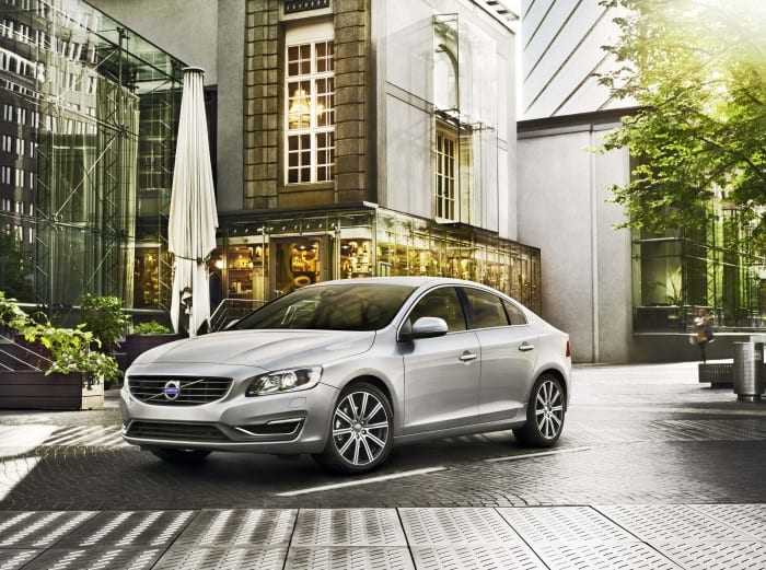 Volvo S60 Front Right - Surf4cars