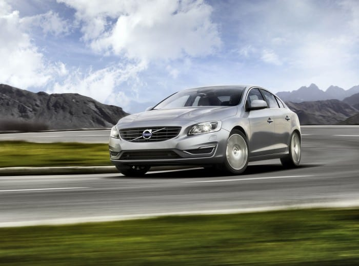 Volvo S60 Front Side Motion - Surf4cars