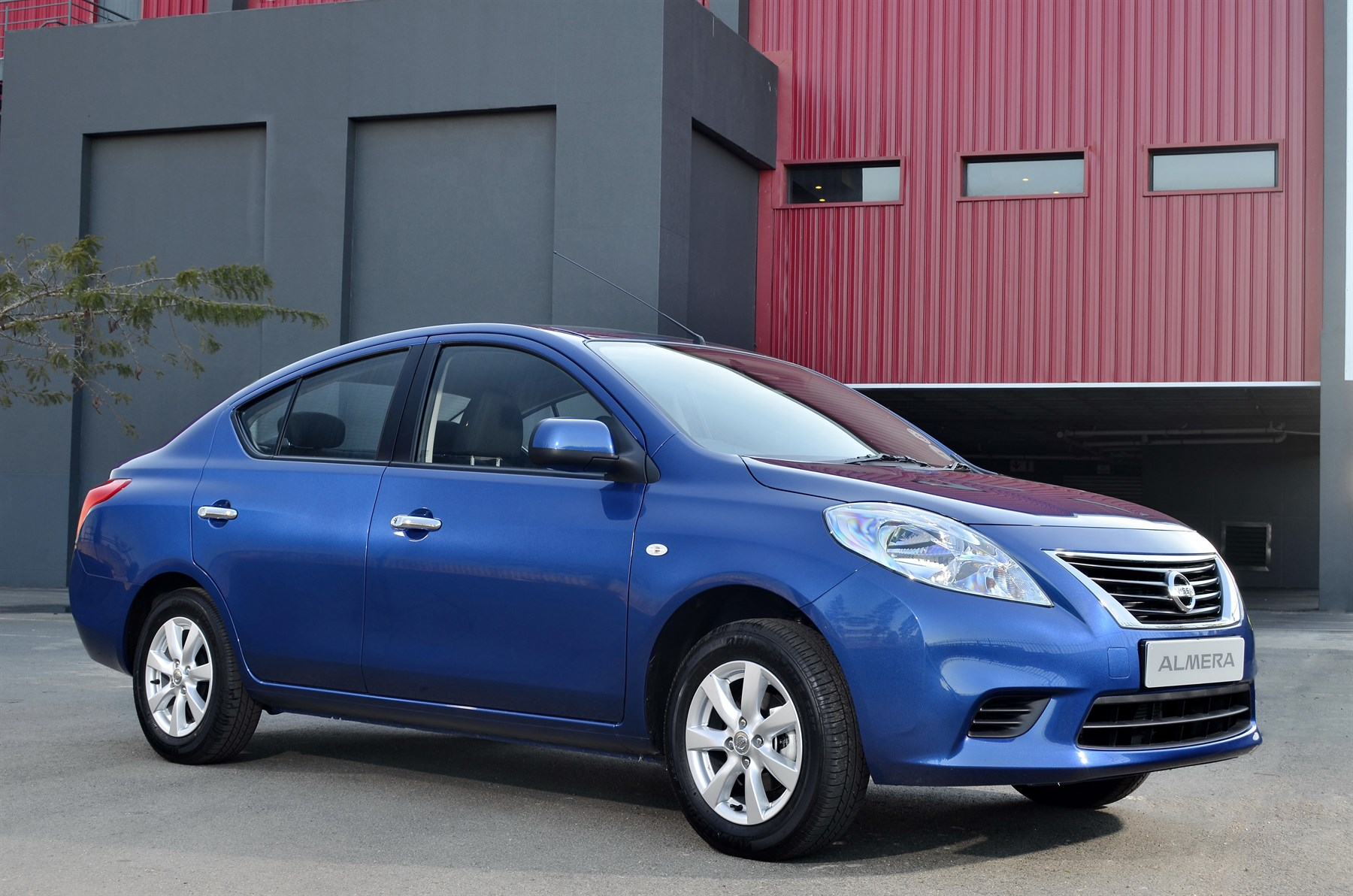 Nissan Almera 1.5 Acenta (2014): New Car Review ...
