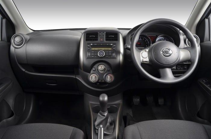 Nissan Almera Interior - Surf4cars