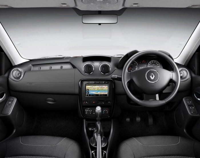 Renault Duster Interior - Surf4cars