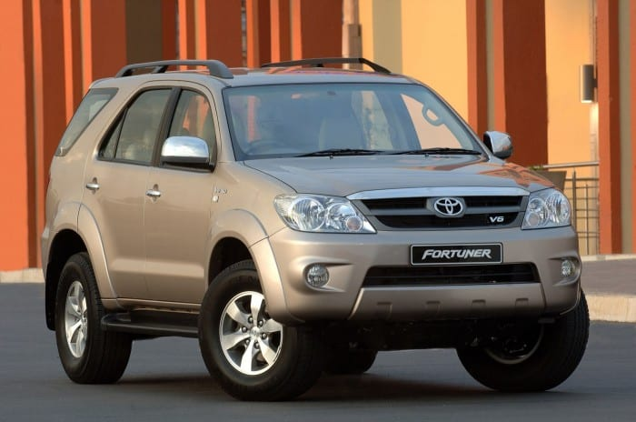 Toyota Fortuner - Surf4cars