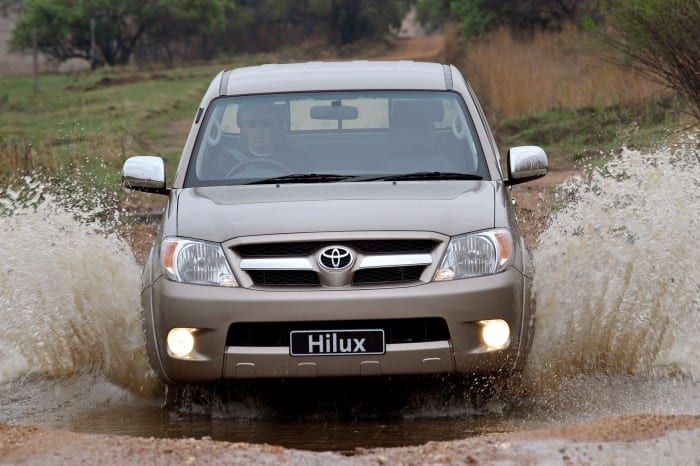 Toyota Hilux - Surf4cars