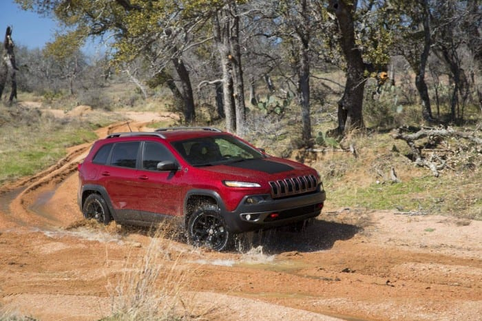 Jeep Cherokee Trailhawk Side - Surf4cars